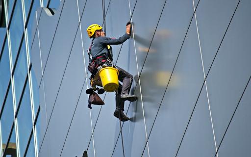 Trabajos verticales y los mejores servicios de mantenimiento de edificios