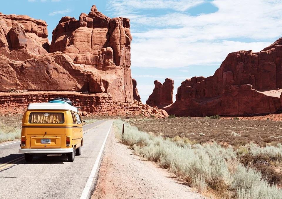 viaje familiar por carretera-